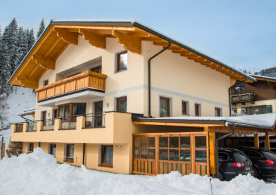 Aussenansicht Appartements Landhaus Jandl Wagrain